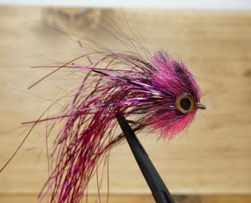 Fly-Tying-with-Ryan-EP-Predator-Pike-Fly
