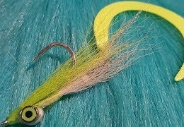 Tying-a-Wiggle-Tail-Clouser