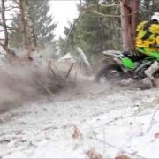 Kawasaki-Enduro-Driving-In-Snow