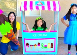 Wendy-Jannie-Pretend-Play-with-Giant-Ice-Cream-Cone-Cart-Store-Kids-Toy