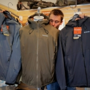 Produktguide-Simms-MidCurrent-Hooded-Jacket