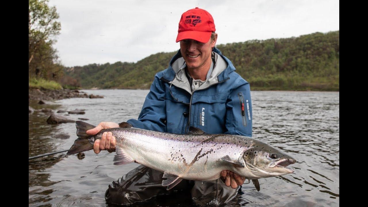 Salmon-Fishing-in-Russia