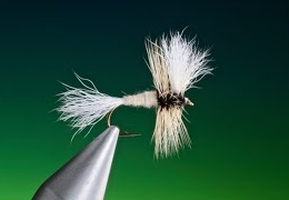 Tying-a-White-Wulff-with-Barry-Ord-Clarke