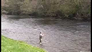Single-Spey-Cast-wide-angle-view-Hardy-amp-Greys-Academy-Demonstration