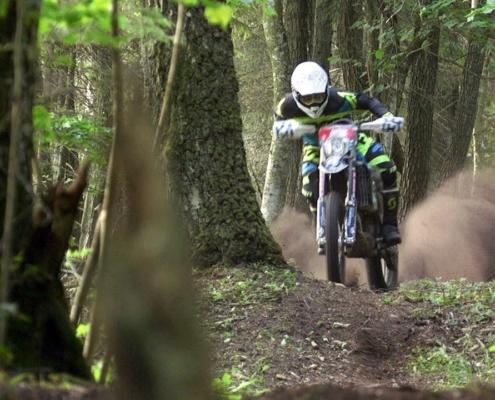Deep-Forest-Enduro-Husqvarna-FE-350