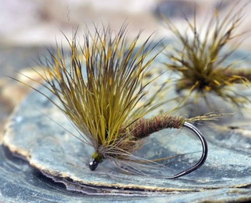 How-to-tie-an-Olive-Emerger-Double-Decker-Style