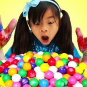 Johny-Johny-Yes-Papa-Emma-Pretend-Play-Wash-Your-Hands-Before-Eating-Gumballs-Kids-Song