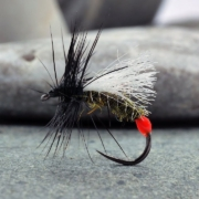 Tying-a-General-Emerging-Nymph-Pattern-for-River-Fishing
