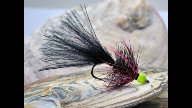 How-to-tie-a-Long-Tailed-Lure-for-Stillwater-Fly-Fishing-Tied-in-a-Dancer-or-Humungus-Style